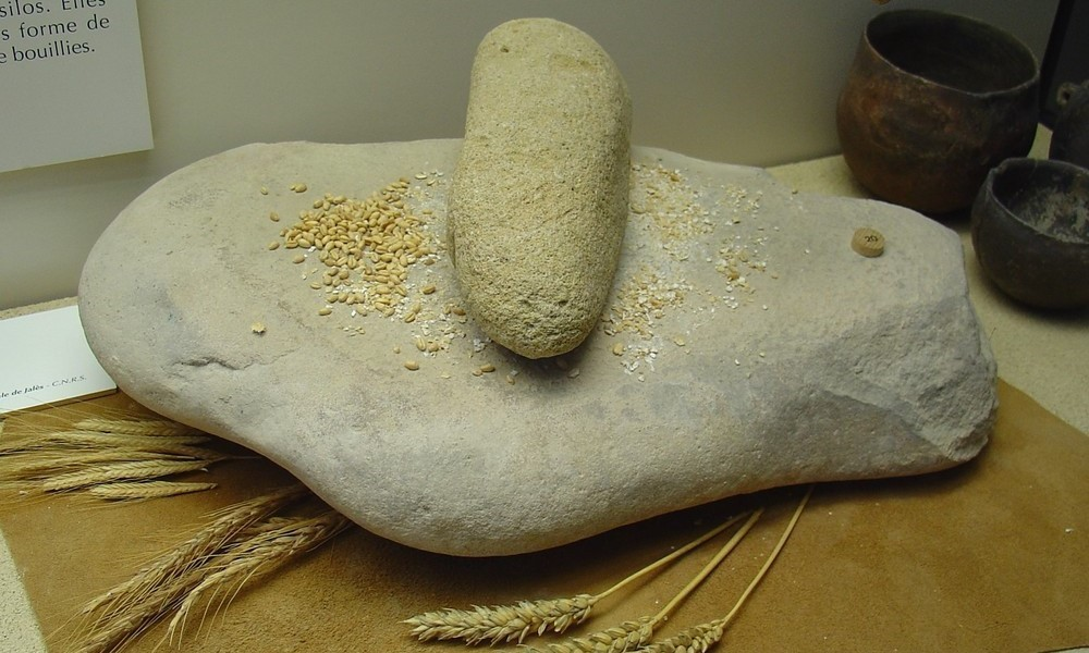 Learn about the interesting history of bread foodtribute for Ancient israelite cuisine
