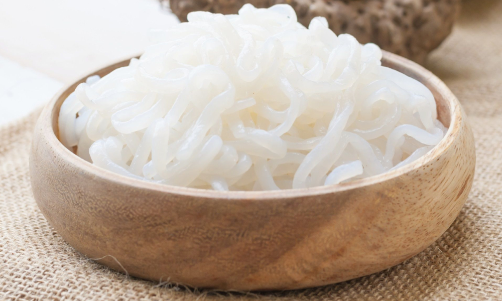 Shirataki Noodles in wood bowl