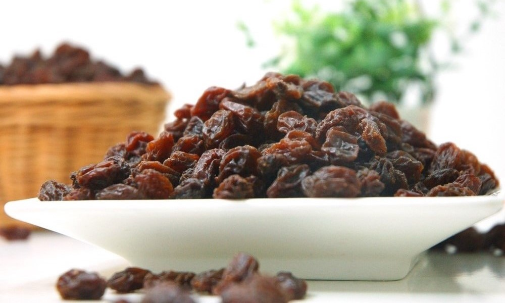 Plate of Raisins